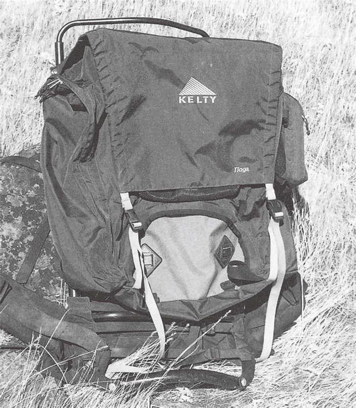 外支架背包挨着背部的地方有个支架,方便空气流通