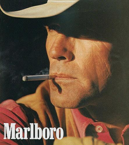 抽烟的男人