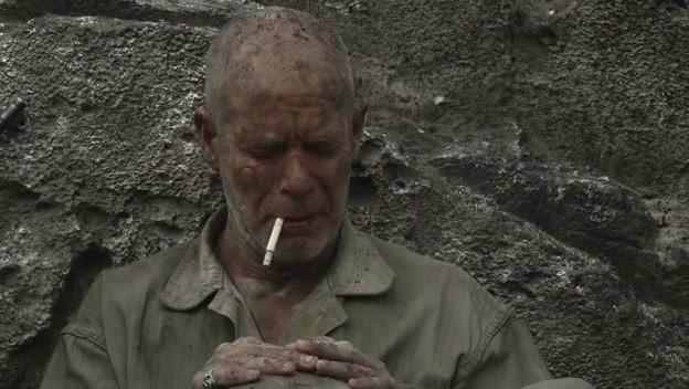 《太平洋》,Gunny军士长,50岁,陆战5团3营K连